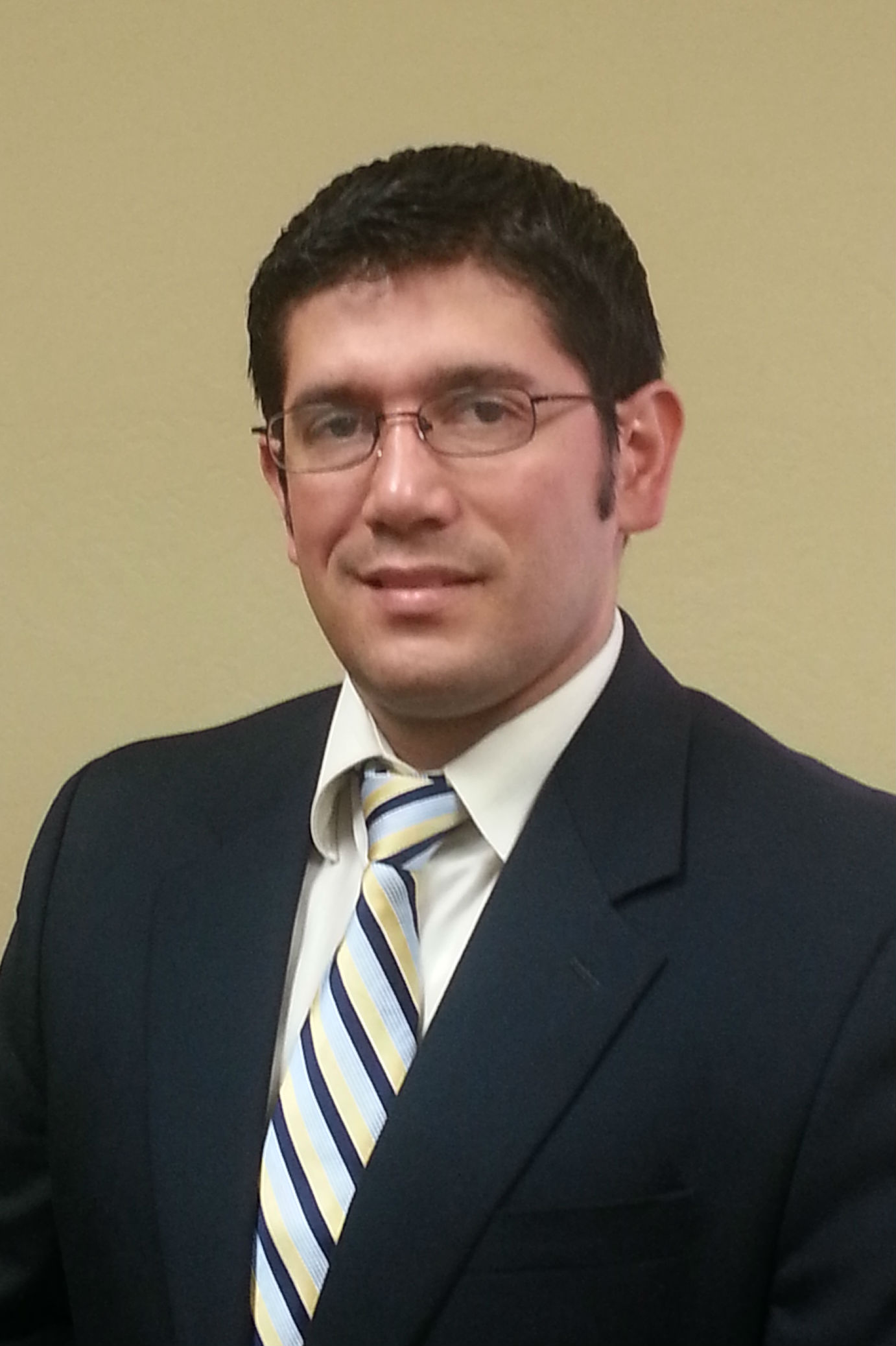 Immigration Attorney Cesar Gomez