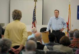 Congressman Vern Buchanan speaks with constituents about Immigration Reform